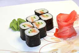 Ваши Суши  Ролл с лососем и огурцом (6шт)