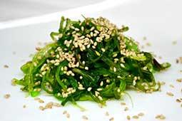 Ваши Суши  Чука салат с ореховым соусом, 110гр
